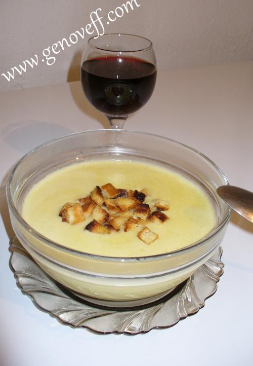 крем супа от картофи с крутони